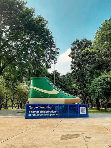 Pemprov DKI Pasang Tugu Sepatu untuk Mempercantik Jakarta