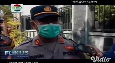 Penyemprotan cairan disinfektan ini dilakukan, setelah 12 orang terpapar positif Covid-19 dari klaster keluarga di perumahan Sumber Rejo, Banyuwangi, Jawa Timur.
