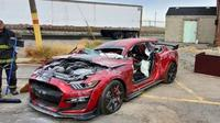Ford Mustang Shelby GT500 dipakai latihan Pemadam Kebakaran (Facebook/Dearborn Fire Department)