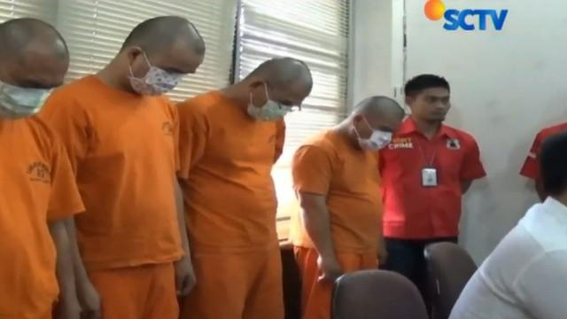 Dari empat orang tersangka penganiayaan, salah satu di antaranya seorang tabib atau lauya di Klenteng.