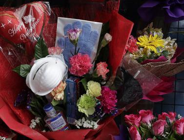 Antara Bunga dan Masker di Hari Valentine