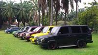 Kijang Retro Indonesia (KRI) merayakan hari jadinya yang pertama di Taman Rekreasi Wiladatika Cibubur, Jakarta. (istimewa)
