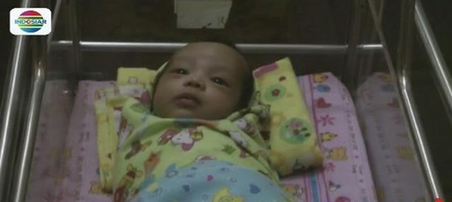 Polisi tengah melakukan pencarian terhadap seorang ibu di Surabaya yang menelantarkan bayinya di RSUD Nganjuk usai dilahirkan.