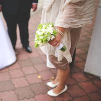 Kalau datang ke pernikahan mantan pacar boleh, tapi sebaiknya jangan sampai seperti perempuan ini ya. (Ilustrasi: Pexels.com)