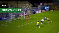 Pemain Union SG, Youssuf Niakate, mencetak gol indah yang tak kalah dari Zlatan Ibrahimovic di Divisi Utama Liga Belgia.