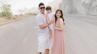 7 Potret Liburan Keluarga Samuel Zylgwyn di Bali, Seru Banget