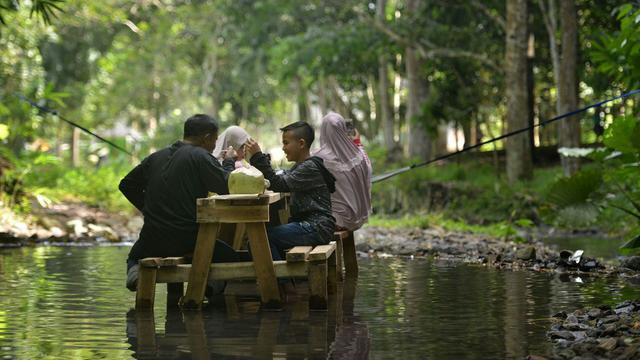 Tempat Wisata di Lampung bernama pasar tahura