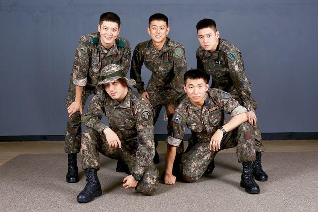 (kiri atas) Joo Won, Beenzino,  Go Kyung Pyo, bersama (bawah) Taeyang dan Daesung Bigbang. (Instagram/ kopular - https://www.instagram.com/p/B7XdDnuHX8u/)