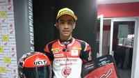Pembalap Astra Honda Racing Team, Andi Farid Izdihar, menjuarai sesi kedua AARC 2018, di Sirkuit Sentul, Bogor, Minggu (14/10/2018). (Bola.com/Muhammad Ivan Rida)
