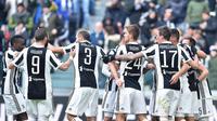 Pemain Juventus merayakan golnya saat melawan Sassuolo dalam pertandingan Liga Italia Serie A di Stadion Allianz di Turin, Italia (4/2). Juventus saat ini mengoleksi 59 poin dari 23 pertandingan. (Alessandro Di Marco / ANSA via AP)