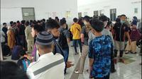 Suasan pendaftaran rapid antigen di Pelabuhan Bajoe (Liputan6.com/Fauzan)