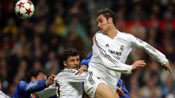 Ivan Helguera. Bersama Real Madrid di Liga Champions, ia mampu mencetak 15 gol dari 81 pertandingan. Ia memperkuat Los Blancos selama 8 musim, mulai 1999/2000 hingga 2006/2007. Ia pensiun pada akhir 2008 bersama Valencia, saat kontraknya diputus meski tersisa 2 tahun. (Foto: AFP/Carmelo Rubio)