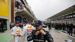 Pembalap Mercedes, Valtteri Bottas menunjukkan performa apik sepanjang balapan F1 GP Turki. Memulai balapan sebagai pole position, ia sukses finis pertama. (AFP/Pool/Umit Bektas)