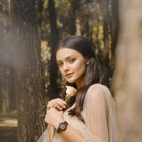 Trik Tampil Seelegan Amanda Rawles dengan Koleksi Jam Tangan Lanccelot