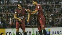 Kebersamaan Hamka Hamzah dan Syamsul Chaeruddin saat bersama di PSM Makassar. (Bola.com/Abdi Satria)
