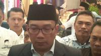 Gubernur Jawa Barat terpilih Ridwan Kamil akan meningkatkan pelayana publik dalam program 100 hari kerja. Foto (Liputan6.com / Panji Prayitno)