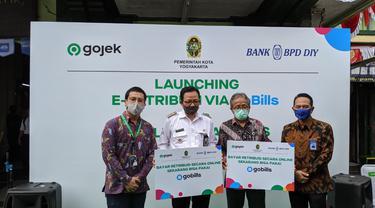 Bank BPD DIY berkolaborasi dengan Gojek meluncurkan layanan yang mendukung budaya non-tunai di kalangan pedagang pasar.