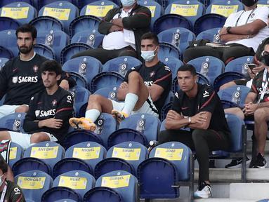 Cristiano Ronaldo absen saat pertandingan  antara Portugal kontra Kroasia di UEFA Nations League. (AP/Miguel Angelo Pereira)