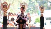 Presiden Joko Widodo atau Jokowi saat meresmikan Museum Keris Nasional. (Liputan6.com/Fajar Abrori)