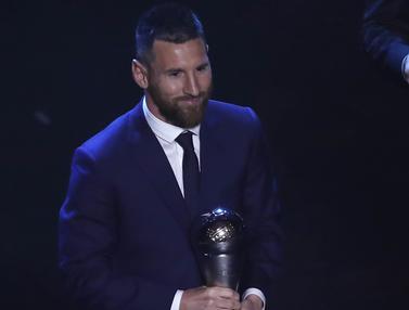 Senyum Lionel Messi Raih Gelar Pemain Terbaik FIFA 2019