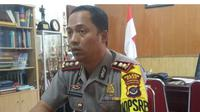 Polisi mengamankan seorang pria berinisial WA (46) di Jalan Lamtoro Centrum, Kelurahan Nangameting, Kecamatan Alok Timur, Kabupaten Sikka, NTT Jumat, (18/5/2018), sekitar pukul 08.00 wita.