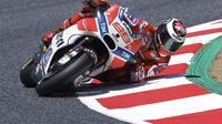 Pebalap Ducati, Jorge Lorenzo, optimistis timnya bisa meraih hasil terbaik pada MotoGP Belanda yang akan berlangsung di Sirkuit Assen. (EPA/Alejandro Garcia)