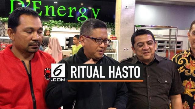 Sekjen PDI Perjuangan Hasto Kristiyanto punya ritual khas tiap kunjungan daerah. Apa ya ritual khasnya?