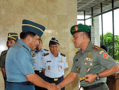 Citizen6, Cilangkap: Pada kesempatan tersebut Panglima TNI mengatakan  bahwa kenaikan pangkat Perwira Tinggi adalah kebutuhan strategis. Selain itu kenaikan pangkat Perwira Tinggi adalah kebutuhan strategis. (Pengirim: Badarudin Bakri)