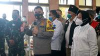Wali Kota Surabaya Tri Rismaharini bersama Forpimda serta Kapolda Jatim Irjen Pol M Fadil Imran menggelar Deklarasi Jogo Suroboyo Damai. (Foto: Dok Humas Pemkot Surabaya)