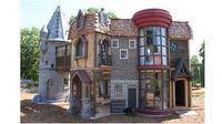 Taman Bermain ala Hogwart milik Dave Dunlop (sumber: metrouk)