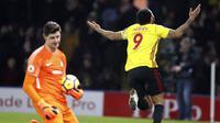 Pemain Watford, Troy Deeney, merayakan gol ke gawang Chelsea pada pertandingan lanjutan Premier League, di Stadion Vicarage Road, Selasa (6/2/2018) dini hari WIB. (AP/Frank Augstein).