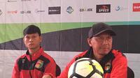 Pelatih Mitra Kukar, Rahmad Darmawan, optimistis timnya bisa memberikan penampilan terbaik melawan Persija Jakarta di SUGBK. (Bola.com/Benediktus Gerendo Pradigo)