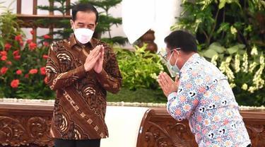 Presiden Joko Widodo (Jokowi) dan Kepala BKKBN Hasto Wardoyo