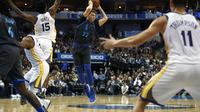 Luka Doncic memimpin Mavericks mengalahkan Warriors pada laga NBA (AP)