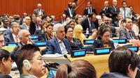 Menteri Kesehatan Nila Moeloek bersama Menko PMK Puan Maharani menghadiri sidang pleno High Level Meeting on Universal Health Coverage (HLM UHC) di New York, Amerika Serikat pada Senin (23/9/2019). (Dok Humas Kementerian Koordinator Bidang Pembangunan Manusia dan Kebudayaan RI)