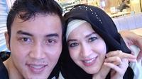 Meski banyak juga komentar negatif, pemeran sinetron Islam KTP itu tak mau memikirkan. Ia hanya menganggap bahwa masih banyak warganet yang perhatian pada buah hatinya tersebut. (Instagram/mrs.gdc13)