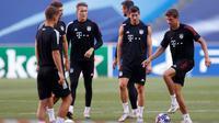 Pelatih Bayern Munchen, Hans-Dieter Flick, memprediksi Paris Saint-Germain bakal menunjukkan permainan agresif dalam menyerang pada final Liga Champions 2019-2020. (AFP/Matthew Childs)