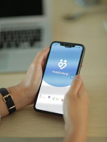 Deretan Kegiatan yang Wajib Pakai Aplikasi PeduliLindungi selama PPKM