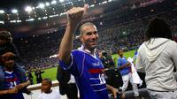 Legenda tim nasional Prancis, Zinedine Zidane, di ajang Piala Dunia 1998. (AFP/Guillaume Baptiste)