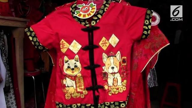 Semarak perayaan Imlek mulai terasa, beragam pernak-pernik bernuansa Tionghoa sudah marak terpajang di berbagai sudut-sudut pertokoan.