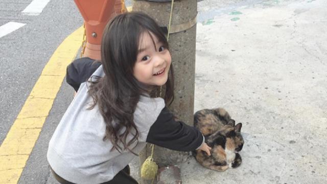Wajah Imut Gadis  Tahun Ini Pikat Hati Netizen