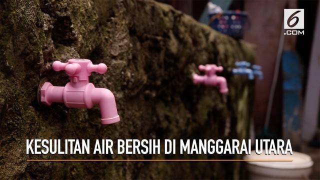 Warga Manggarai Utara masih menggunakan air kali untuk mencuci dan kebutuhan sehari-hari. Mereka pun harus membeli air bersih untuk dikonsumsi.