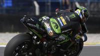 Pembalap Yamaha Tech 3, Johann Zarco saat beraksi pada latihan bebas MotoGP Argentina 2018. (Juan MABROMATA / AFP)