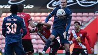 Duel Southampton melawan Arsenal pada babak keempat Piala FA, di St Mary's Stadium, Sabtu (23/1/2021). (Ben Stansall)