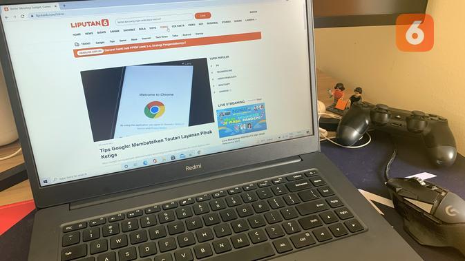 Review RedmiBook 15. (Liputan6.com/ Yuslianson)