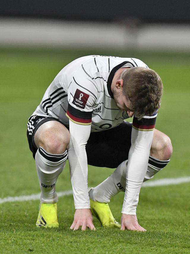 Ekspresi kekecawaan pemain Jerman Timo Werner (Thilo Schmuelgen/Pool via AP)