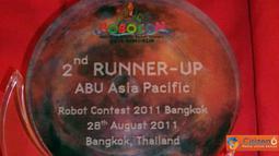 Setelah melewati pertandingan ABU Robocon 201i di Bangkok, Thailand pada, Minggu (28/8), akhirnya tim robot Barelang 5.1 dari Indonesia, berhasil menepati posisi 2nd runner up.