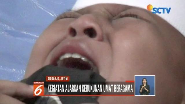 Pondok pesantren di Sidoarjo, Jawa Timur, peringati Isra Mi'raj dengan menggelar sunatan massal untuk berbagai kalangan.