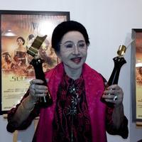 Mooryati Soedibyo banggaa film Sultan Agung raih predikat Film Terpuji. (Istimewa)
