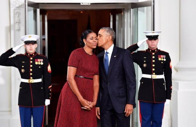 Michelle Obama selalu menjadi style icon bagi para pecinta fashion, tampilan gaya lady like yang anggun menjadi ciri khasnya. (Foto: usmagazine.com)